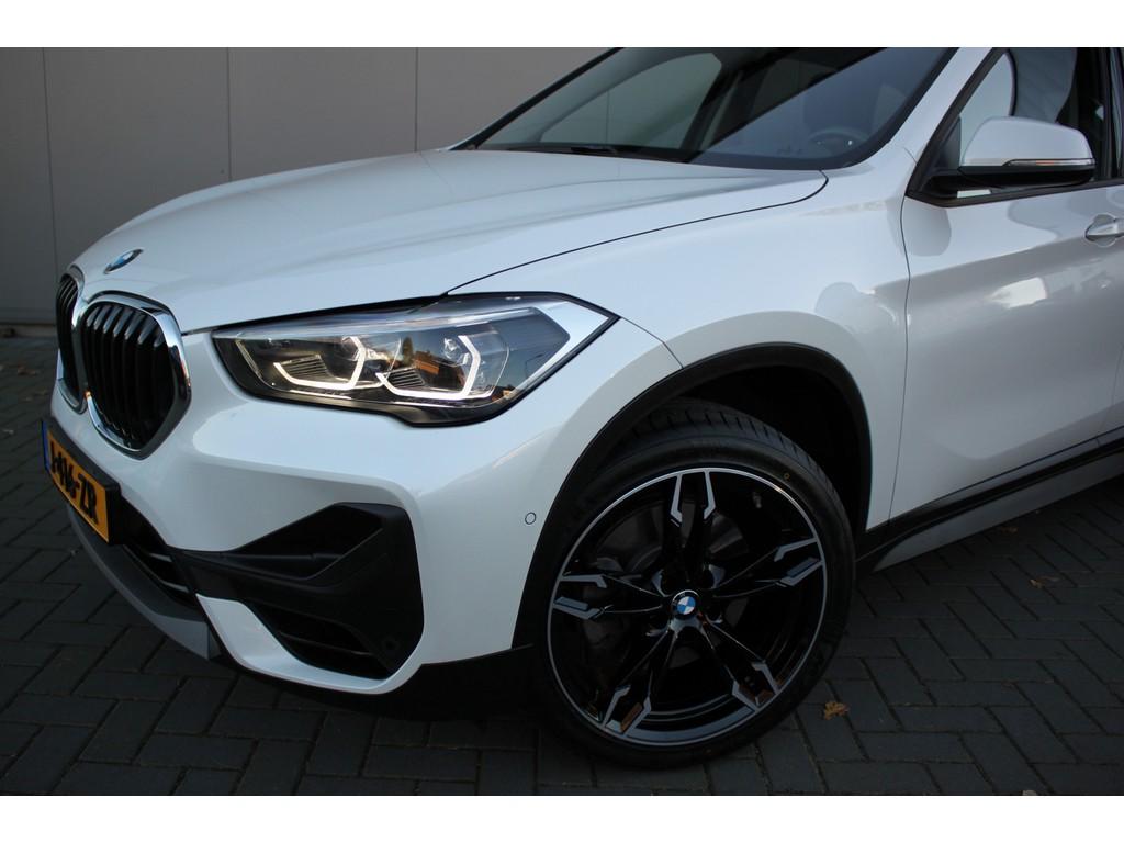 BMW X1 xDrive20i 4x4-AWD 192PK Aut. Executive Navigatie